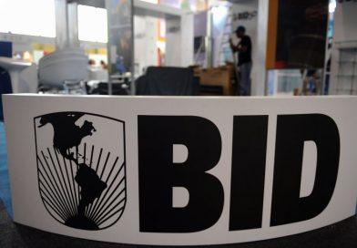 Banco Interamericano de Desarrollo suspende préstamos de Venezuela