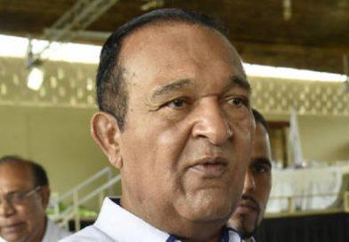 Antonio Marte da marcha atrás; se disculpa con el país y con el pueblo haitiano
