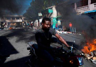 Incendios y barricadas  inicio de una nueva jornada  en Haiti.