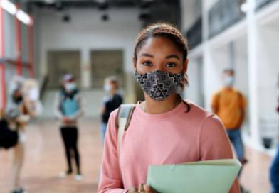 """Proyecto busca otorgar bonos universitarios a """"estudiantes meritorios"""""""